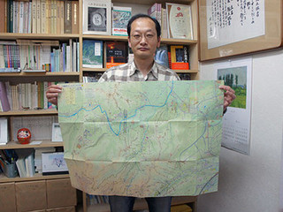 「八王子城精密ルートマップ」をまとめた堀籠さん.jpg