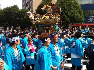 八幡八雲神社の宮神輿渡御3.jpg