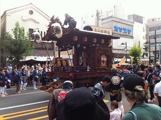 南町の一本柱人形山車1.jpg