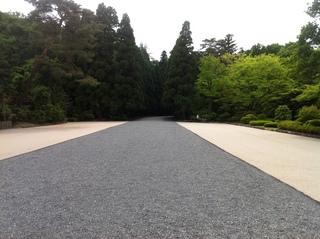 陵墓1.JPG