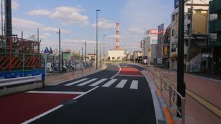 JR八王子駅南口の道路.JPG